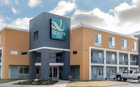 Super 8 Indpls/nw/college Park Area in Motel Indianapolis