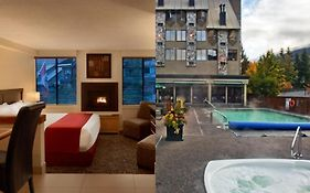 Mountainside Hotel Whistler by Executive