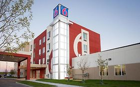 Motel 6 Airdrie, Ab