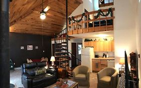 Chalet W/ Loft At Alpine Lake Resort