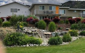 Holiday Beach Resort Motel Okanagan Falls