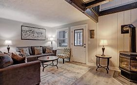Knotty Pine Lodge 4 Bedroom Townhouse
