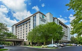 Embassy Suites Airport Nashville Tn