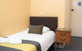 Rose Court Hotel London 2*