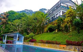 Brookside Resort Kandy