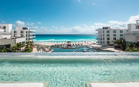 Hotel me by Melia Cancun