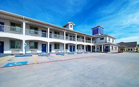 Motel 6 Rhome Texas
