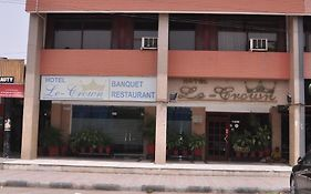 Hotel le Crown Chandigarh