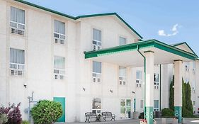 Super 8 Motel Dauphin