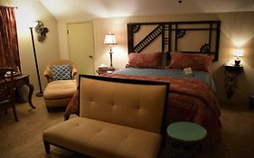 The Hiding Place Bed And Breakfast Warrenton Mo
