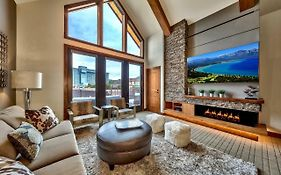 Luxury Three Bedroom Residence Steps From Heavenly Village Condo