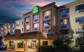 La Quinta Inn And Suites Seattle Bellevue Kirkland
