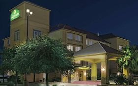 La Quinta Inn And Suites San Antonio North Stone Oak