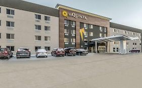 La Quinta Inn & Suites By Wyndham Cleveland - Airport North photos Exterior