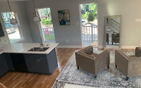 Beautiful Three Bedrooms Uptown New Orleans Home