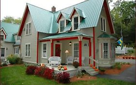 Red Elephant Inn Bed And Breakfast