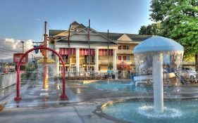 Oak Tree Lodge Sevierville Tennessee