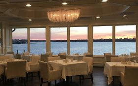 Oyster Point Hotel in Red Bank Nj