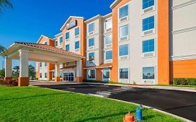 Comfort Inn And Suites Maingate South