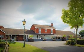 Hunters Lodge Hotel Crewe