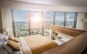Avesa Luxury Apartments in Sky Tower