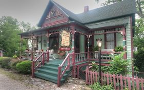 Hidden Springs Bed & Breakfast Eureka Springs Ar