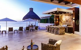 Ultra Exclusive Beachfront Villa Just Steps From The Sand With Butler Included photos Exterior