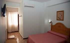 Hostal Paris la Linea