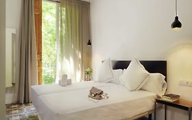 Som Nit Triomf Guest House Barcelona Spain