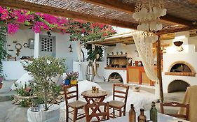 Sun Rock Apartments Naxos Island