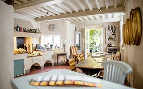 Locanda Sant' Agostino Bed And Breakfast Lucca