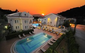 Side Breeze Hotel (monachus Park) 5*