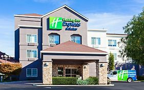 Holiday Inn Express And Suites Oakland Airport