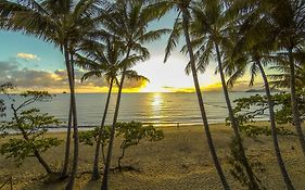 Marlin Waters Beachfront Apartments Palm Cove Qld