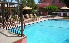 Away Inn Lauderdale by The Sea