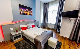 Full Moon Design Hostel Budapest