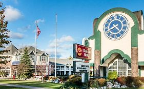 Clarion Beachfront Mackinaw City