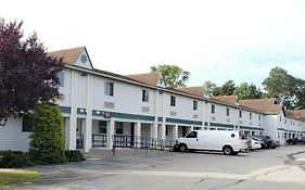 Super 8 Motel - Weymouth/Boston Area