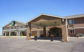 Quality Inn & Suites Watertown Sd