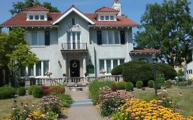 Hanover House Bed And Breakfast