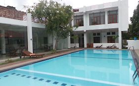 Windmill Beach Hotel Negombo