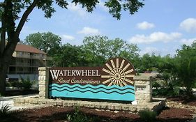Gorgeous Condo On The Guadalupe River! - Waterwheel I-103