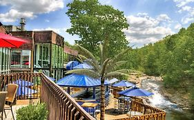 The Woodlands Inn an Ascend Hotel Collection Member