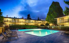 Red Lion Bellevue 3*