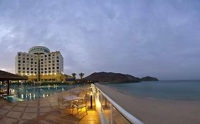 Oceanic Khorfakkan Resort... 4*