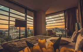 Golden Tulip Victoria Bucharest