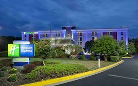 Holiday Inn Express Camp Springs Md