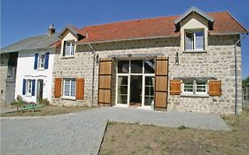 Eight Bedroom Holiday Home In Saint Dizier Leyrenne
