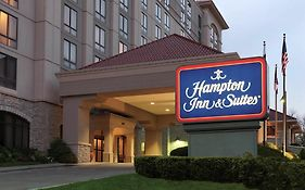 Hampton Inn And Suites Kansas City Country Club Plaza