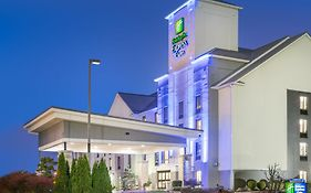 Holiday Inn Express Louisville East